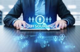 When-to-Outsource-Your-Business